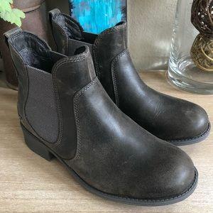 1b2251843d7 UGG Bonham Stout Leather Chelsea Boot
